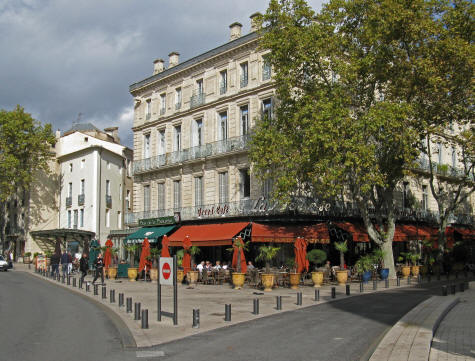 Hotels and lodgings in nimes france for Hotels in france
